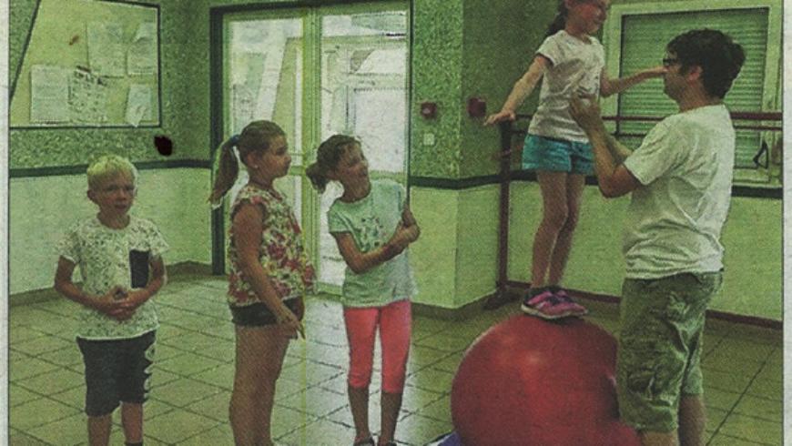 Cirque à l'école du Roulier!